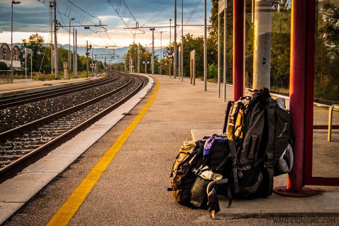 zaino-fermata-treno